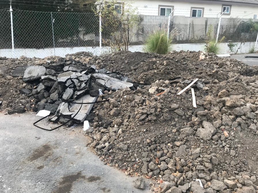 Rubble:Earth pile
